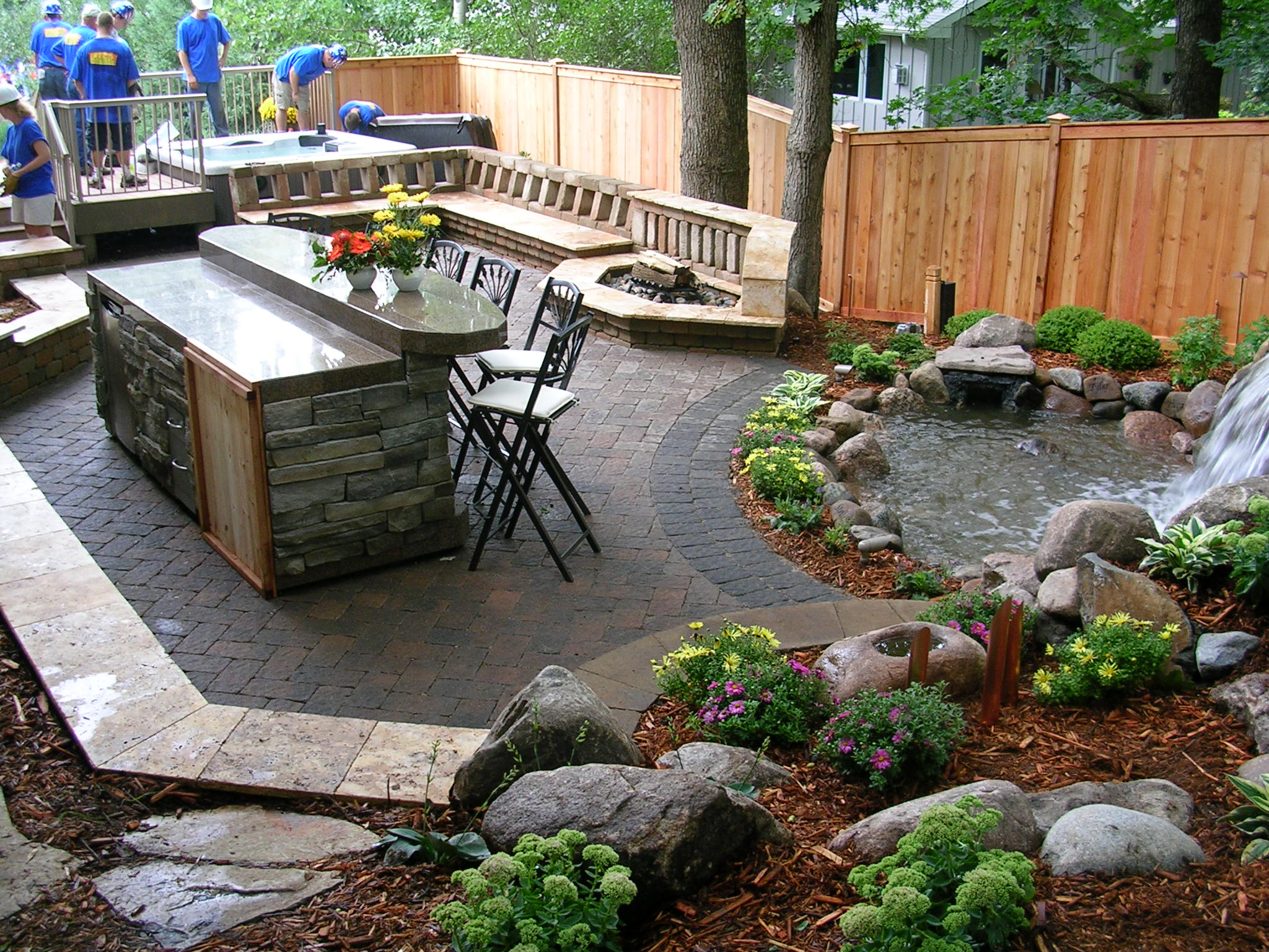 Landscape design ideas patio driveway installation for Outside garden design
