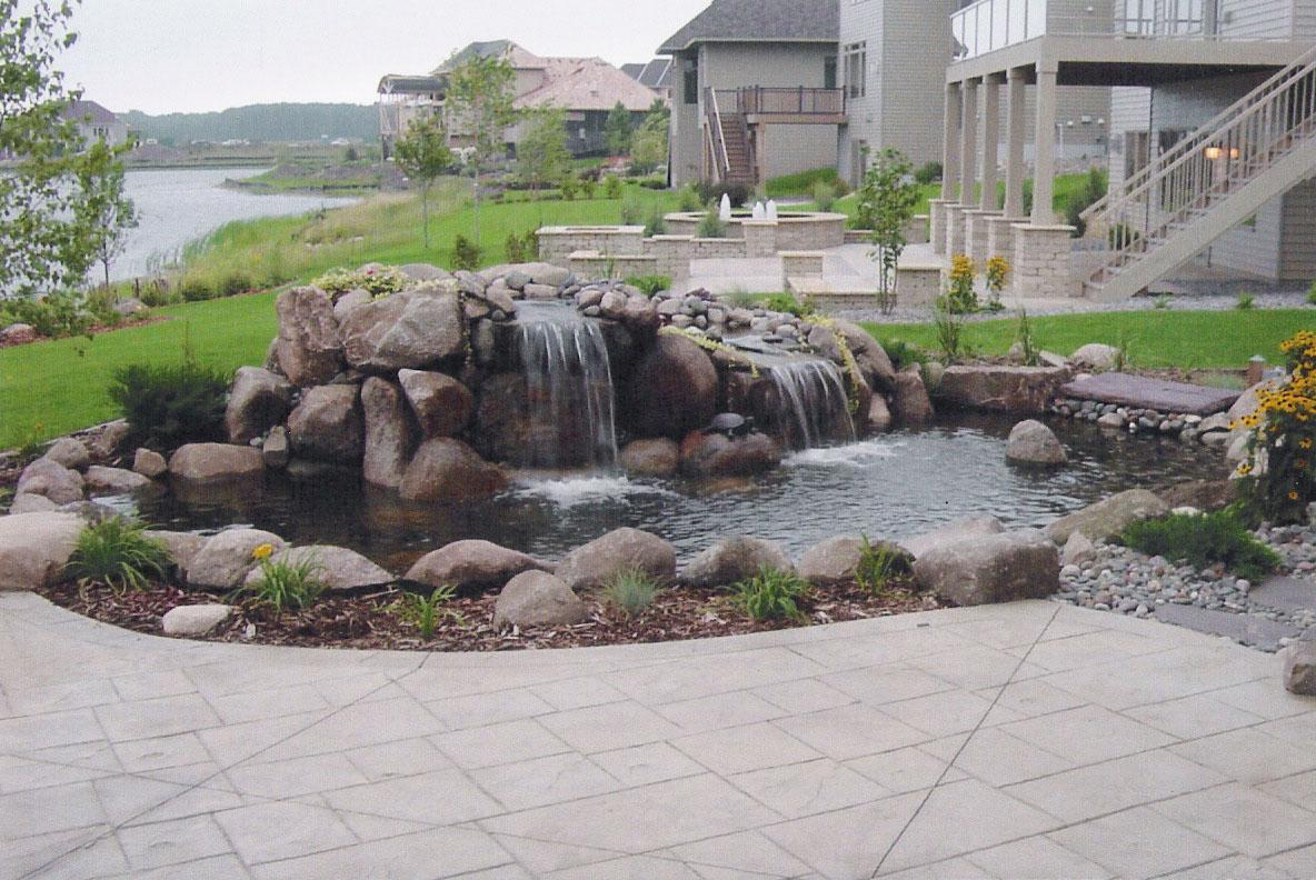 Bloomington mn shakopee mn landscaping water features for Waterfall features for ponds